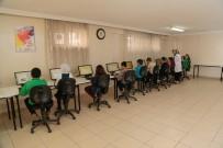 DEVAMSIZLIK - Şehitkamil'de Bilgisayar Kursu Öğrencileri Sertifikalarını Aldı