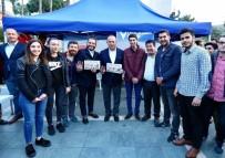 KORUMA EKİBİ - Bakan Çavuşoğlu, Referandum Çalışmalarını Sürdürdü