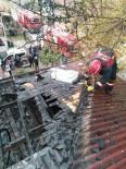 YAĞCıLAR - Çatı Yangını Korkuttu