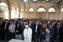 GIYABİ CENAZE NAMAZI - İdlib Katliamında Ölenler Darende'de Unutulmadı