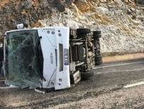MERSIN - Mersin'de çevik kuvvet otobüsü devrildi