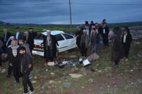 KARACADAĞ - Otomobil Şarampole Devrildi Açıklaması 1 Ölü, 1 Yaralı