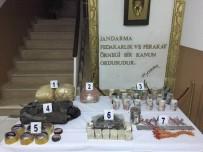 EL YAPIMI BOMBA - Toprağa Gömülü Mühimmat Ele Geçirildi
