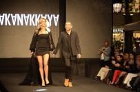 HAKAN AKKAYA - Ünlü Modacı Amerika'dan Sonra İlk Defileyi İzmir'de Yaptı