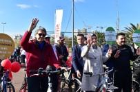 İSTİŞARE TOPLANTISI - Bakan Kaya, Caddebostan Sahilinde Gençlerle Pedal Çevirdi