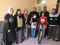 LÖSEMİ HASTASI - Başkan Kara Lösemi Hastası Çocuğa Bisiklet Ve Tablet Hediye Etti