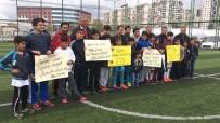 TANJU ÇOLAK - Diyarbakırlı Gençler Tanju Çolak'ı Bekliyor