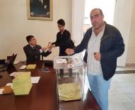 BUDAPEŞTE - Macaristan'da Türk Seçmenler Referandum İçin Sandık Başında