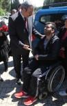 ÇUKUROVA ÜNIVERSITESI - Öğrenciyken Gazi Oldu, Tekerlekli Sandalye İle Şehitleri Ziyaret Etti