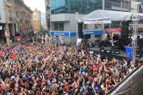 ATEŞ ÇEMBERİ - 1 Mayıs Kutlamalarında Edip Akbayram Coşkusu