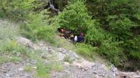 KURTARMA EKİBİ - ATV İle Uçuruma Yuvarlanan Genç Hayatını Kaybetti