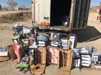 KOZMETİK ÜRÜN - Başkale'de 35 Bin Paket Kaçak Sigara Ele Geçirildi