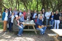 GÜZELÇAMLı - Söke Toplum Ruh Sağlığı Merkezi Danışanlarının Piknik Keyfi