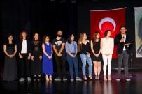 İZMIR DEVLET TIYATROSU - Direklerarası Seyirci Ödülleri Manisa'da Sahiplerini Buldu
