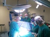TRAKYA - Doktorlar 15 Saatte 3 Kalp Ameliyatı Yaptı