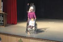 DEFİLE - Engellilerin Gösterisi Duygulandırdı