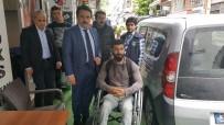 FATİH BELEDİYESİ - Fatih Belediyesi, Tekerlekli Sandalyesi Çalınan Engelli Gence Yenisini Hediye Etti