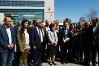 ANAYASA MAHKEMESİ - HDP'lilerden Anayasa Mahkemesi Önünde Basın Açıklaması