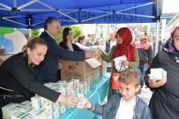 ZINCIRLIKUYU - İzmit Belediyesi 4 Bin Paket Kandil Simidi Dağıttı