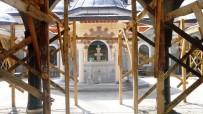 HÜRRİYET MAHALLESİ - Kayı Boyu Camiinin Girişinde Çalışmalar Devam Ediyor