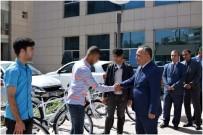 Kilis'te Hükümlü Çocuklara Bisiklet Dağıtıldı