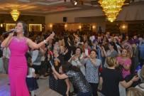 MALTEPE BELEDİYESİ - Maltepeli Kadınların Matine Keyfi
