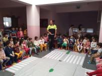 TRAFİK TESCİL - Niksar'da Minik Öğrencilere Trafik Eğitimi Verildi