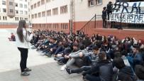Okullarının Kapatılmaması İçin Oturma Eylemi Yaptılar
