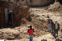 TEMEL KAZISI - Ardahan'da Rus generalin cesedinin bulunduğu alanda inceleme