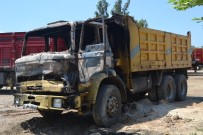 ÇANAKLı - Adana'da Park Halindeki Kamyon Kundaklandı