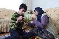 Engelli Oğlunun Hem Oyun Arkadaşı, Hem De Anne Ve Babası