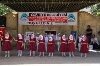 KADIN DESTEK MERKEZİ - Eyyübiyeli Kadınlar Eserleri Görücüye Çıktı