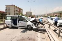YARıMCA - Kontrolden Çıkan Araç Yol Ayrım Barıyerine Çarptı 5 Yaralı