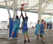RASIM ÖZDENÖREN - Nilüfer'de Spor Coşkusu Sürüyor