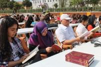 FEN BILGISI - Öğrenciler Meydanda Kitap Okudu