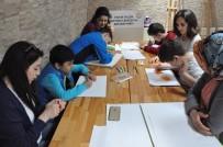HAYVANLAR ALEMİ - Otizmli Çocuklar Hayvanat Bahçesini Gezerek Resim Yaptı