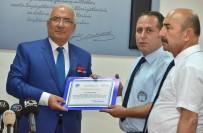 OTOBÜS ŞOFÖRÜ - Para Dolu Çantayı Teslim Eden Şoföre Ödül