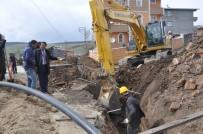 SU ŞEBEKESİ - Sarıkamış Belediyesi İlçenin 100 Yıllık İçme Suyu Şebekesini Değiştiriyor
