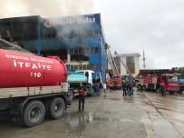 Trabzon'da Mobilya Fabrikasındaki Yangın 5,5 Saattir Sürüyor