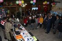 BAYBURT ÜNİVERSİTESİ REKTÖRÜ - Vali İsmail Ustaoğlu, Karayolu Trafik Haftası Dolayısıyla Taşhan'da Düzenlenen Sergiye Katıldı