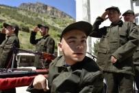 YÜRÜME ENGELLİ - Bir Günlüğüne Asker Olup Terhis Belgesi Aldılar