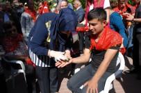 ŞERIF YıLMAZ - Engelli Gençlere Asker Kınası