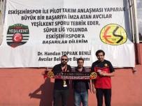 YEŞILKENT - Eskişehirspor Taraftarlarından Pilot Takıma Ziyaret