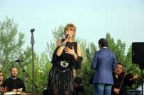 GÜLBEN ERGEN - Gülben Ergen'den Bursa'da Konser