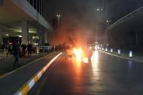 SÖNDÜRME TÜPÜ - Atatürk Havalimanı'nda Lüks Araçta Yangın