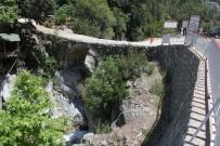 SEL BASKINI - Rus Turistlerin 20 Metreden Düştüğü Kanyonda Tehlike Devam Ediyor