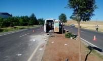 İNLICE - Şanlıurfa'da Öğrenci Servisi Takla Attı Açıklaması 13 Yaralı