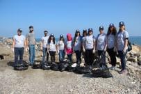 ÇEVRE TEMİZLİĞİ - Üniversite Öğrencileri Sahil Temizliği Yaptı