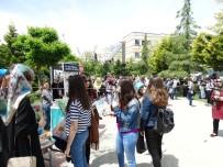 BEŞIR AYVAZOĞLU - Üniversiteliler Meyve Toplar Gibi Kitap Topladılar