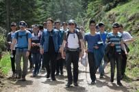 BOZÜYÜK BELEDİYESİ - Bozüyüklü Gençler Atatürk Köşkü'ne Yürüdü